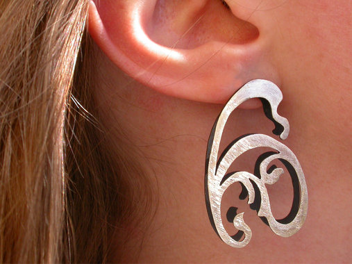 <p>sterling silver (partially oxidized)</p>